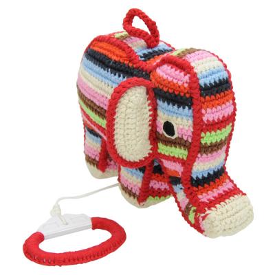 gehaakt muziekdoosje olifant gekleurd anne claire petit zijkant