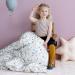 CamCam luchtballonnen meisje op stoel met kleed